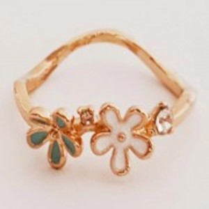 Gold Plated Flowers Ring