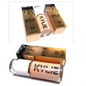 KYLIE CONCEALER + WHITENING HYDRATING REPAIR FOUNDATION