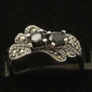 Sapphire Stone Silver Ring GB(5)4918
