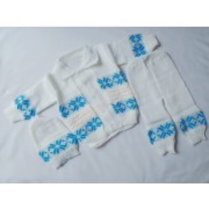 Newborn 3 Pcs sweater set with cap (0-6 months)
