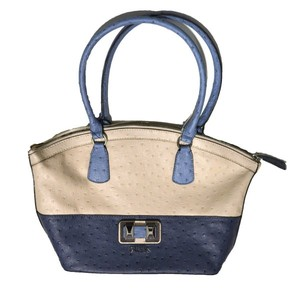 beb0fcab1e89 Guess Womens Shoulder Handbag Vachelle Purse in Milk OS454909