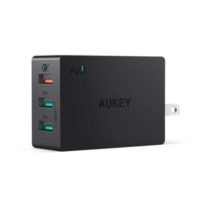 Aukey 3-Port USB Wall Charger With Quick Charge 3.0