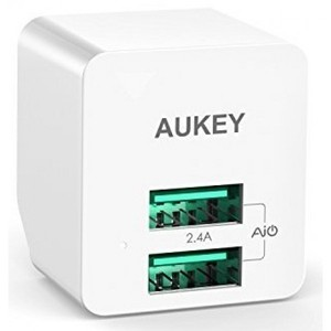 AUKEY 12W Dual Port Home Travel USB Wall Charger Adapter with AiPower Adaptive Charging Technology & Foldable Plug (Whtie)