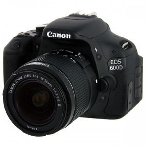 Cannon 600D  iii (18-55 lens+Pouch And Card)