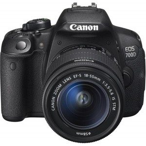 Canon 700D 18-55 (Pouch+Card)
