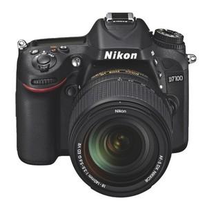 NIKON D7100 DLSR Camera with 18-140 Lens