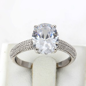 Cosmetic Fever Oval Diamond Ring 18k Gold Plated ri-6506