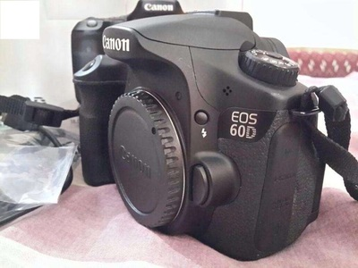 Used Canon EOS 60D Dslr Camera Body Only (8GB Card & Bag)