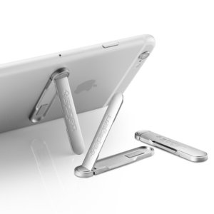 Spigen U100 Kickstand with Magnetic Clasp for every Phone – Silver