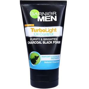 Garnier Turbolight Oil Control Charcoal Black Foam
