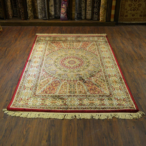 Silky Traditional Rug Centre Motif Multicolor