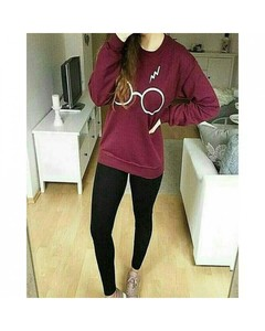 Mardaz Maroon Fleece Sweatshirt For Women - WIN-SW-maroon-harrypotter
