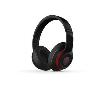 Beats Studio Wireless Over-Ear Wireless Headphone with Carrying Case Beats Studio Wireless Over-Ear Wireless Headphone with Carrying Case