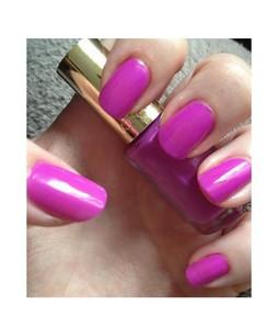 LOreal Paris Color Riche Nail Polish Flashing Lilac (828)