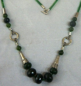 Gilgit Bazar Jade Stone Necklace Green (GB70)