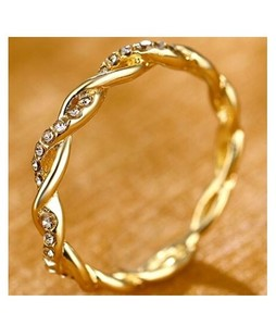 Eizybuy Twist Classical Zirconia Ring For Women (0114)