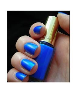 LOreal Paris Color Riche Nail Polish Fluo Azur (831)