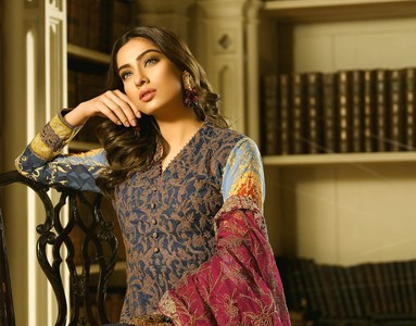 Asim Jofa Embroidered Luxury Lawn Collection 2018 Navy Blue (AJL-12A)