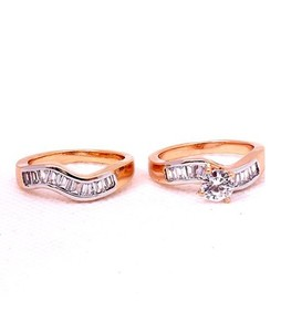 Eshaal Fashion Austrian Crystal Gold Plated Pair Ring (ES013)