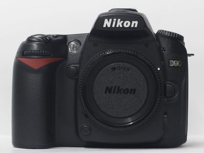 Nikon D90 DSLR Camera With 18-55mm Lens (USED)