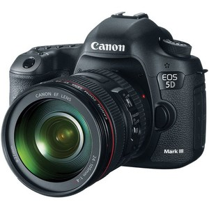Canon EOS 5D Mark III With 24-105mm f/4.0L IS USM AF Lens