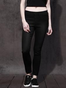 SLIM FIT CLEAN LOOK JEANS-Black