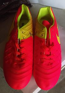 Excellent quality Football shoes for professional player unisex