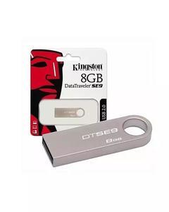 Kingston 8GB USB & Card 2.0 DataTraveler SE9 (Metal) 100MB/s read 15MB/s write, Usb