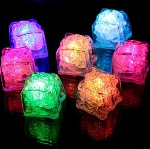 DC4.5V Colorful Ice Cube Quick Flashing LED Light