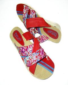 Pink Floral Rexiene Pu Casual Chappal For Women