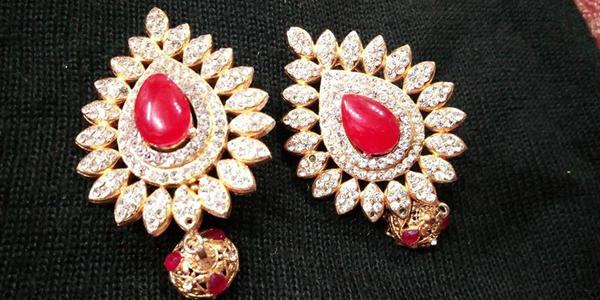 GOLD DESIGNS ! GOLD PLATED - CHILI RED & GOLDEN - EARRINGS