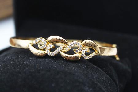 Stylish Bracelet For Girls & Women