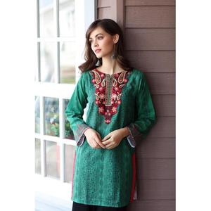 So Kamal Winter Collection  Green Karandi Embroidered 1PC -Unstitched Shirt DPW18 762 EF01277-STD-GRN