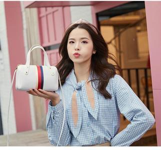 Women Small Crossbody Bag Shoulder Bag Ladies Fashion Wallets Mobile Wallet Party Handbag Classic Ladies Clutches