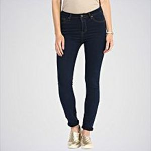 The Ajmery Women's Fox Blue Solid Jeans. DTX-13