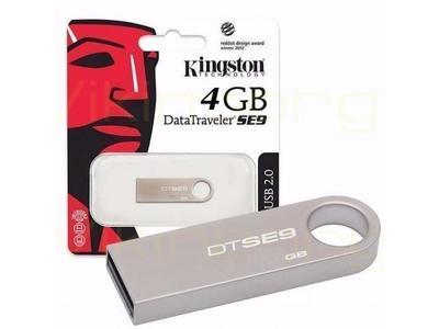 4 GB Kingston USB Data Traveler