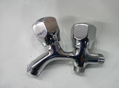 Wall Mounted Brass Bath & Shower Spout Concealed Shower Tub Filler Faucet Spout