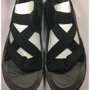 70% OFF 3 DAYS ONLY New Stylish Black Sandal /Slip-On Chappal (Product Promise: Same Product As Pics)